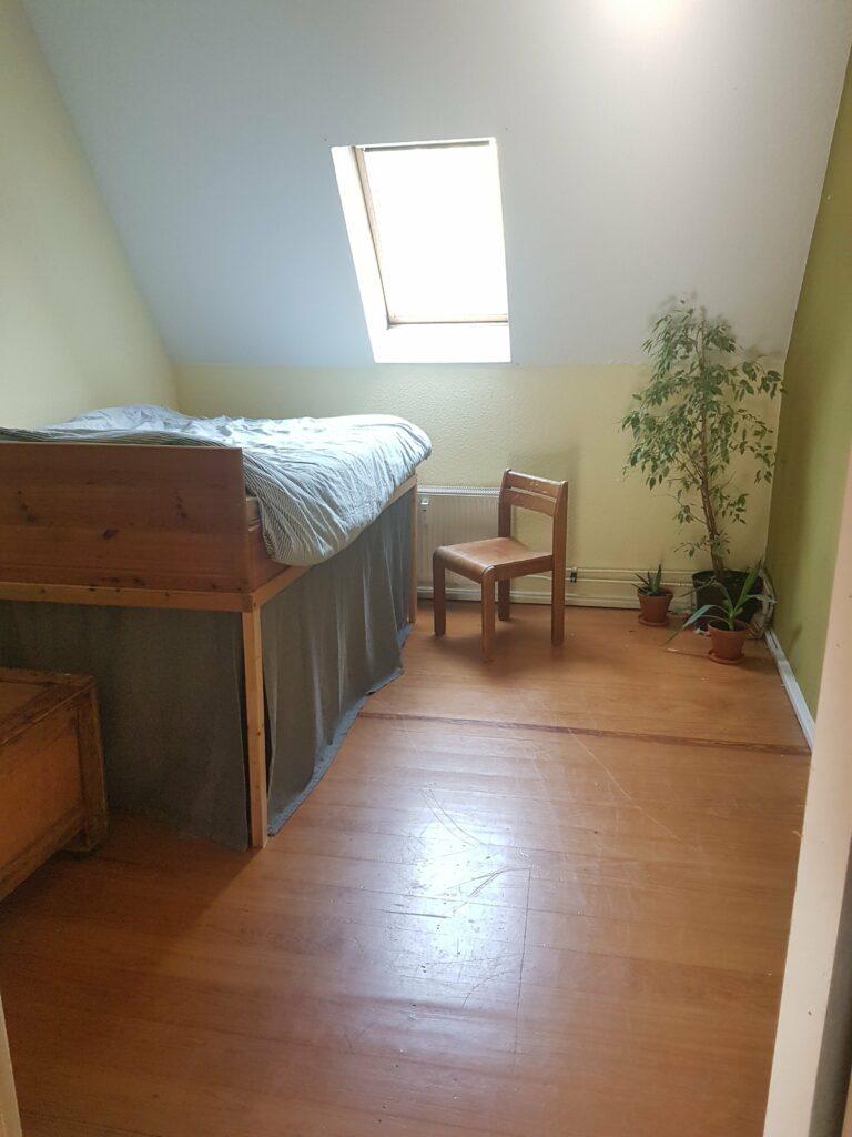 Schlafzimmer 768x1024